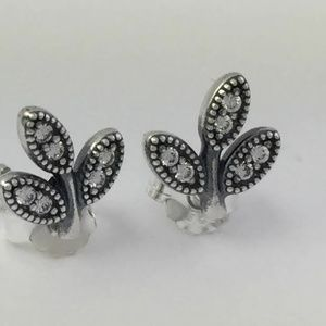 Pandora Sparkling Leaves Stud Earrings Silver CZ